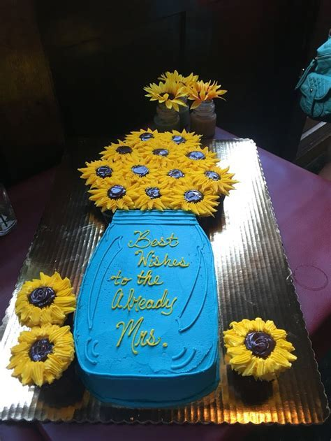 Best 20  Sunflower decorations ideas on Pinterest   Tissue