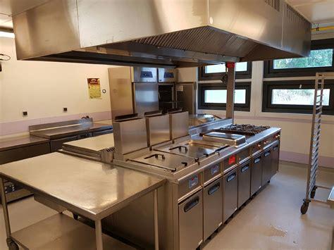 hotte cuisine professionnelle nettoyage et d 233 graissage de hotte professionnelle dans une cuisine de restaurant 224 salon de