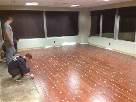Installing Porcelain Tile Why You Should Use Professionals To Install Tile Flooring That Looks Like Wood Floor Design Ideas