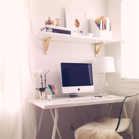 Small Working Desk 25 Best Ideas About Small Desk Areas On Pinterest Small Bedroom Office Mail Organization And