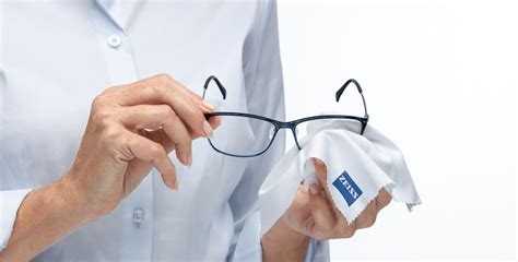 zeiss lens cleaning solution for glasses