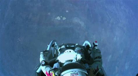space dive le saut de felix baumgartner depuis l espace