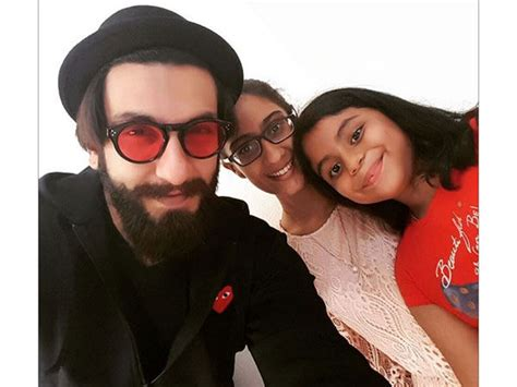 sushmita sen renee sen ranveer singh selfie with sushmita sen s daughters renee