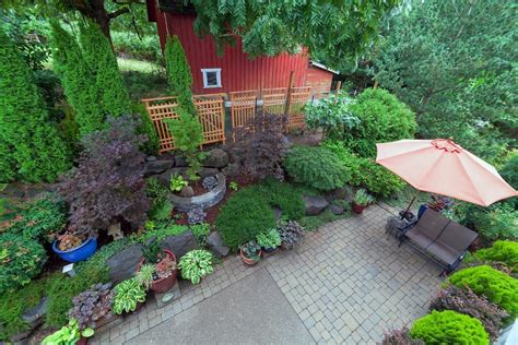 designing a backyard expert landscaping tips for homeowners designing a