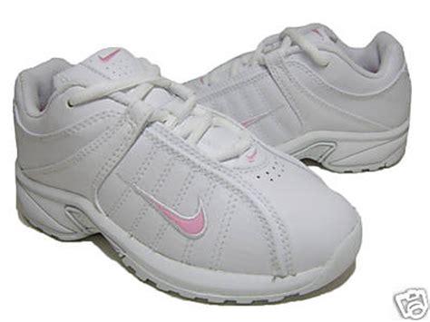 Ll Nike shoemandoo11 nike vxt ll 313032 161 white pink youth shoes sz 1 5