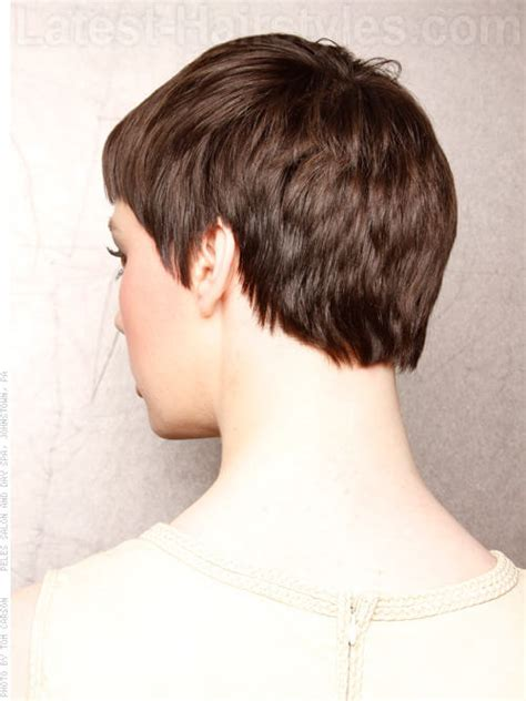short hai cut pics v cut over ear go short 15 incredibly chic pixie hairstyles to try