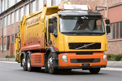 volvo revolutionizes  lowly garbage truck   hybrid fe