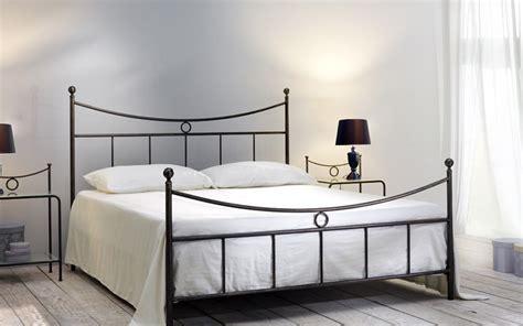letto di ferro battuto letto matrimoniale in ferro battuto gabbiano di cosatto