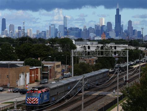 illinois unemployment rate hits 4 6 percent in may lowest in 10 years chicago tribune
