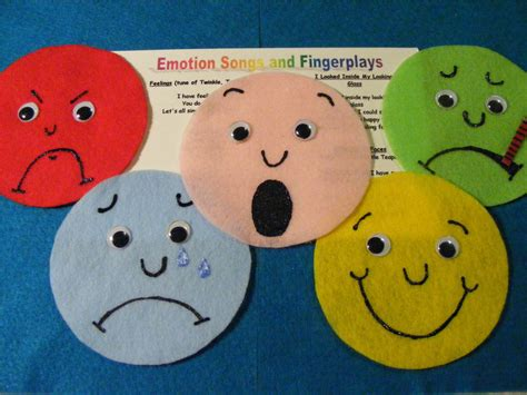 Emotional Themes In Stories | felt board flannel story quot feeling faces quot educational