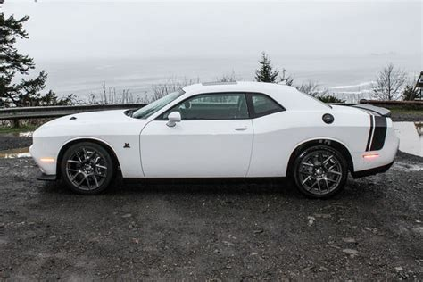 2015 dodge challenger rt review 2015 dodge challenger r t pack review digital trends