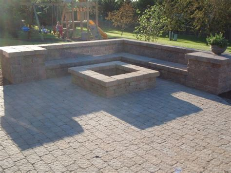 Fire Pit And Paver Patio Paver Patio Designs With Pit