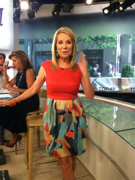does kathy lee gifford wear extensions kathie lee gifford in adrianna papell on the today show