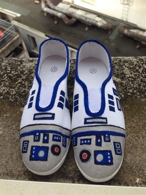 d2 shoes diy r2 d2 shoes 183 how to paint a pair of character shoes