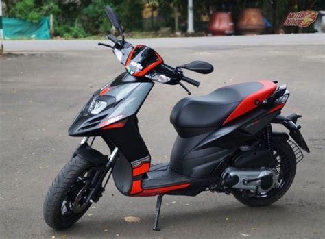 bajaj scooters price new bajaj chetak 2017 price images launch date
