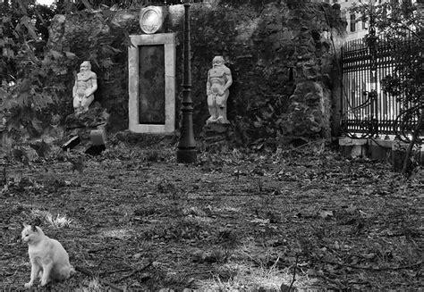 porta magica piazza vittorio roma la porta magica piazza vittorio le pi 249 foto dell
