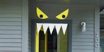 Easy Spooky Halloween Decorations 56 Scary Halloween Garage Door Decorating Contest