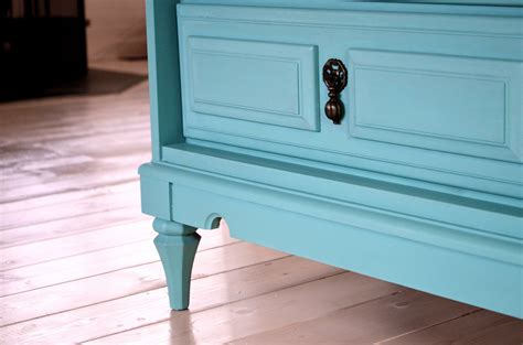 chalk paint how to how to 7 easy steps to refinishing furniture without