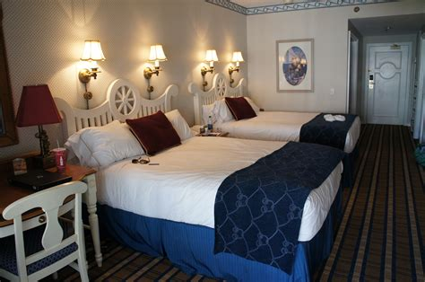 Disney Yacht Club Rooms by Photo Tour Of The Rooms At Disney S Yacht Club