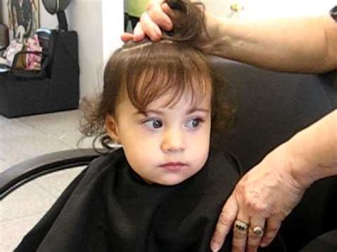 how to cut 1 year olds hair baby s first hair cut youtube