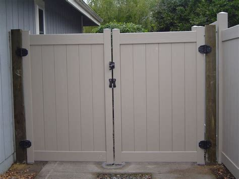 12 Foot Vinyl Gate by Vinyl Driveway Gates 171 Arbor Fence Inc A