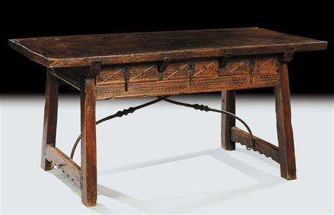 tavoli fratini antichi tavolo fratino in noce intagliato sul fronte spagna xvii