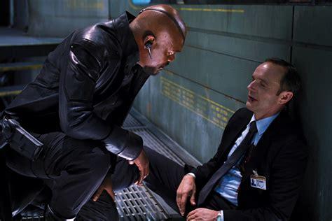 marvel film where phil coulson died le retour en gr 226 ce de agents of s h i e l d critique de