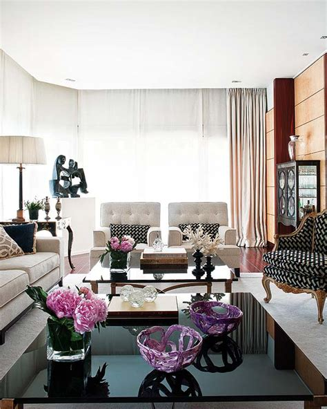 Apartment Decorating Living Room by Coffee Table Arrangements On Coffee Tables
