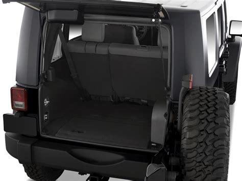 Jeep Wrangler Unlimited Trunk Image 2010 Jeep Wrangler Unlimited 4wd 4 Door Rubicon