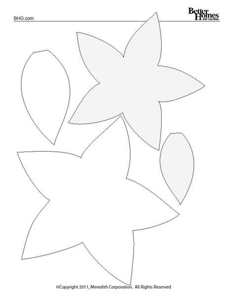 poinsettia pattern for kindergarten poinsettia template felt pinterest poinsettia and
