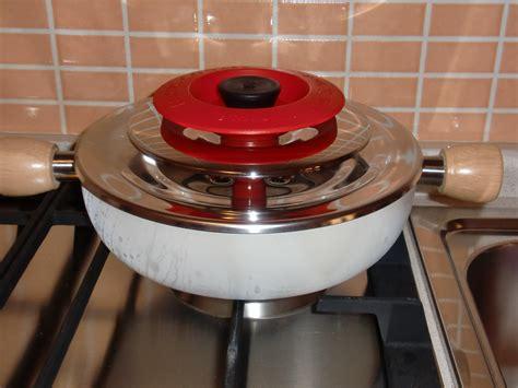 cucinare con coperchio magic cooker collaborazione magic cooker due sorelle in cucina