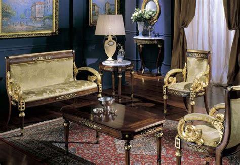 Halbrundes Sofa Im Klassischen Stil by Sofa In Luxus Im Klassischen Stil Handgeschnitzt Idfdesign