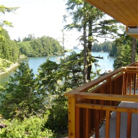 Bc Cottages For Sale by Two Waterfront Vacation Homes For Sale At Reef Point