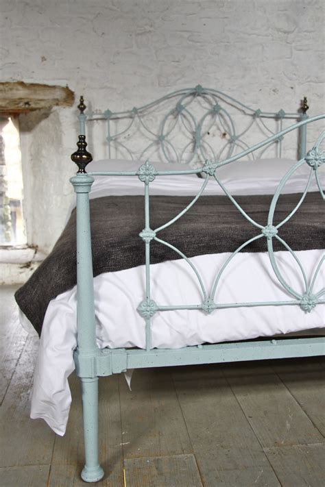 early 2 bed rare very pretty early victorian iron king size bed
