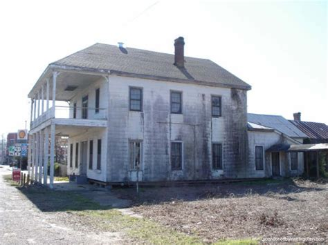 abandoned boarding house in louisiana