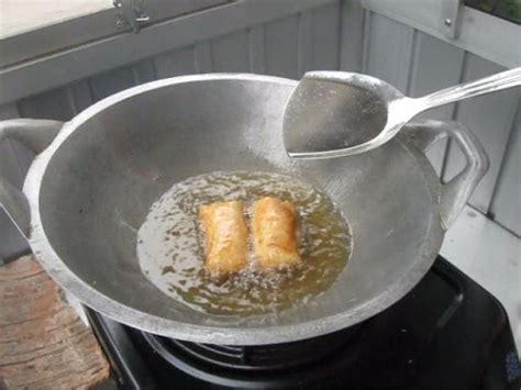 jakarta street food  fried lumpia goreng piscok muncrat