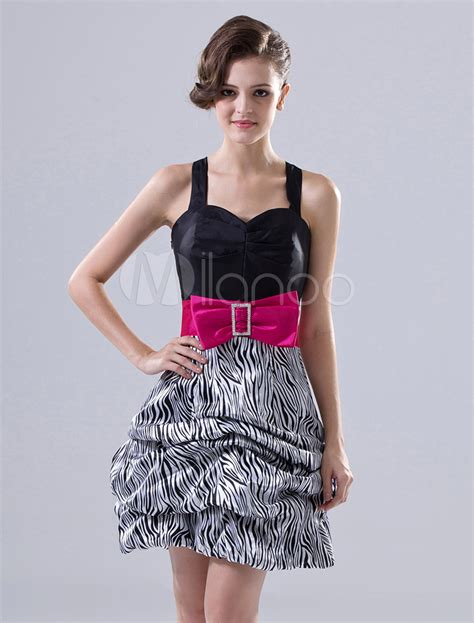 Mini Dress Pesta Ber Kerah Semi Formal Hitam Polos Lengan Pendek Impor 10 model gaun koktail groups
