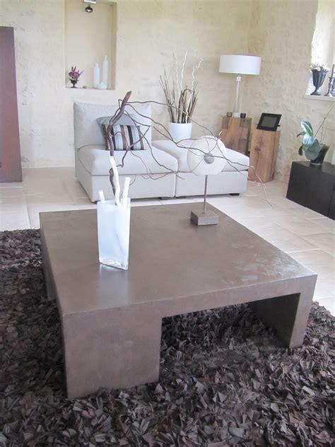 table basse de salon en beton cire photo de beton cire