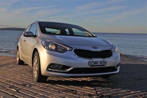 kia cerato 2 0 review kia cerato sedan review kia cerato sedan 2 0 sx auto 3