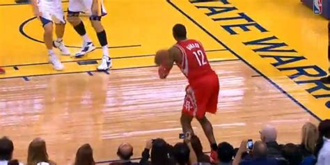 dwight howard bench dwight howard makes 3 pointer and rockets bench goes nuts