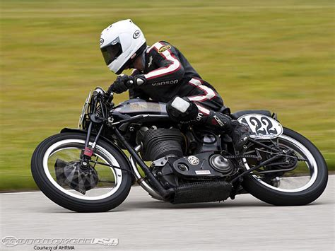 Motorrad Classic Rennen by Ahrma Vintage Classic At Road America Motorcycle Usa