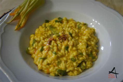 risotto con fiori di zucca e zucchine risotto reperso fiori di zucca zucchine e zafferano