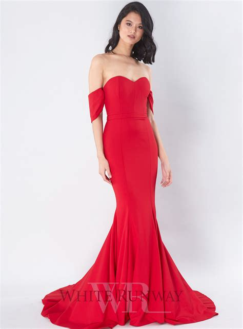 Dress Amira amira detachable sleeve gown by
