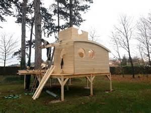 cabane piloti cabane enfant sur pilotis