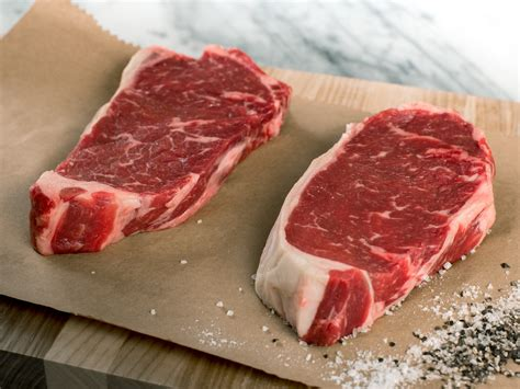 hand select angus new york strip steaks 4 per pack