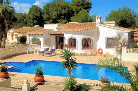 villa to rent in cometa spain with pool 63222
