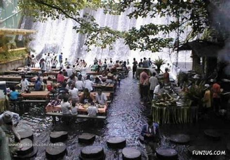 villa escudero waterfalls restaurant funzug com amazing waterfall restaurant in philippines