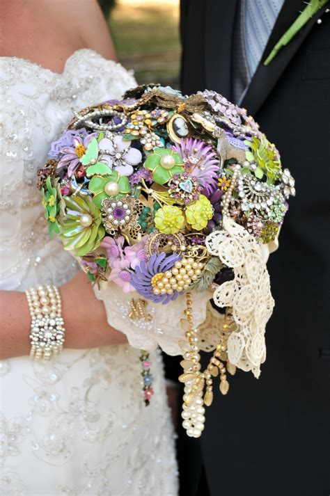 Wedding Bouquet Made Of Brooches by 185 Best Wedding Bouquet Bling Images On