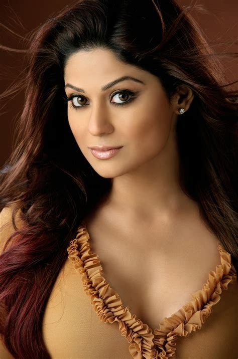 bollywood actress height without shoes shamita shetty height weight bra size shoe size body