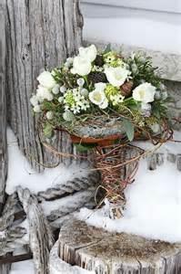 winter wedding bouquet ideas 15 winter wedding bouquet ideas